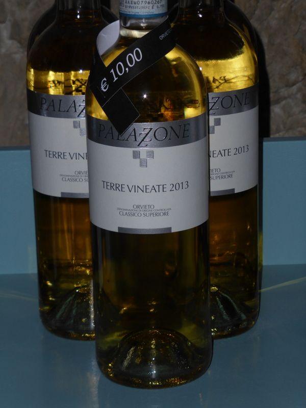 """Umbrische Weine - in der Eneoteca """"Vini e Oli"""" gibt es 77 Weingüter zu verkosten ..."""