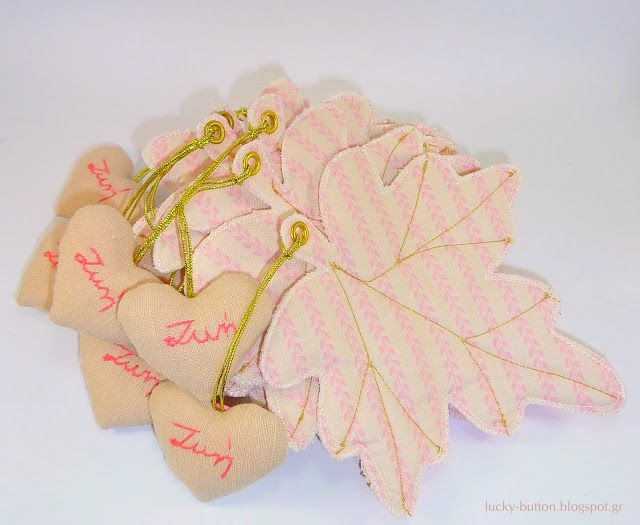 Χρυσοκέντητα πλατανόφυλλα  διακοσμημένα με μίνι κεντημένες καρδιές