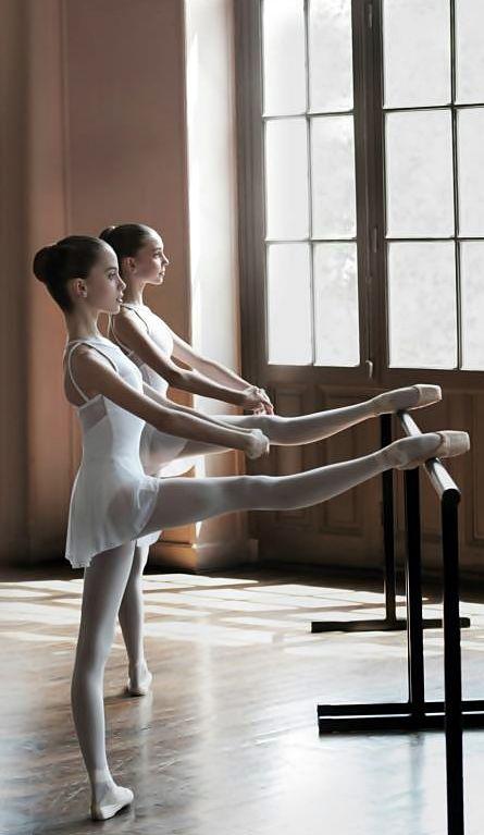 Quand j'avais treize ans, je dansais le ballet.Aujourd'hui, Je ne danse le ballet.
