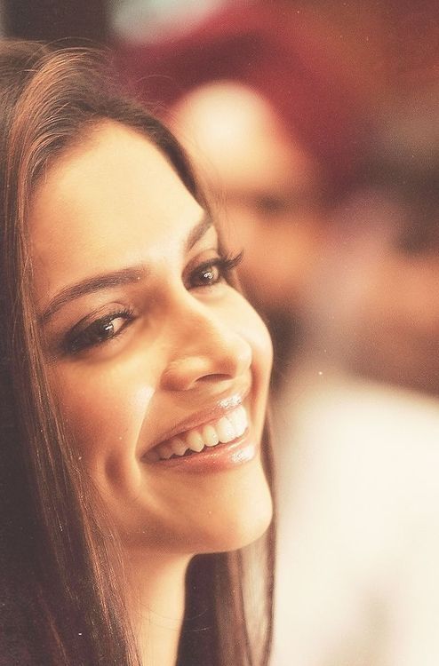 Deepika Padukone [PagalWorld.Com Provides Free Download MP3 3GP MP4 Punjabi Videos, Bollywood Movies & many more exclusive stuff for your mobile.]