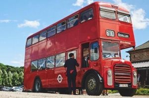 Bus anglais routemaster 1966 rouge