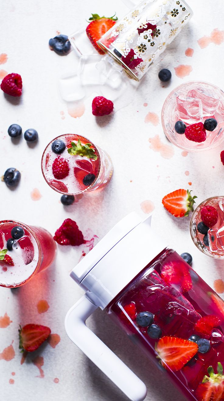 Berry Fizz - This fizzy, sparkling berry iced tea's all set to be your summer sidekick.