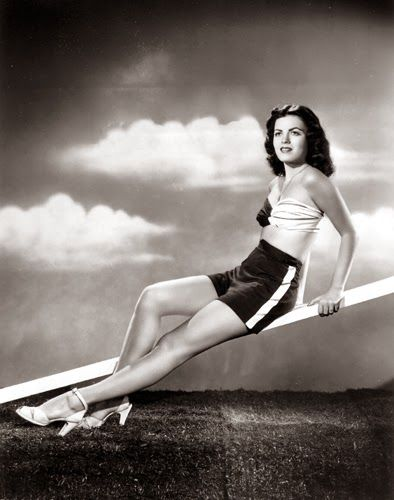 Vintage Glamour Girls: Faith Domergue