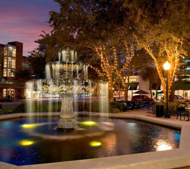 Hyde Park Village - Tampa. Eat, shop, enjoy a luxurious stroll outside with friends.