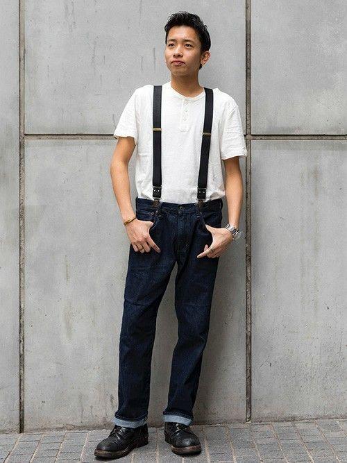 着心地の良いリネンコットンTシャツは胸元のボタンがポイント。リンスカラーのデニムで昔ながらのアメリカンカジュアルを感じさせるシンプルコーデ。小物でアクセントを。  ■渋谷店 http://mobile.gap.co.jp/stores/sp/store.php?shopId=36143814 ■オンラインストアはこちら http://www.gap.co.jp/browse/division.do?cid=5063 ■GapストアスタッフコーデをWEARで見る(Men) http://wear.jp/gapjapanmen/