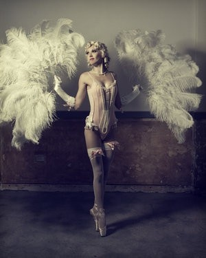 Burlesque: En Points, Points Shoes, Ballerinas, Ostriches Feathers, Vintage Burlesque, Burlesque Costumes, Pinup, Pin Up, Dance