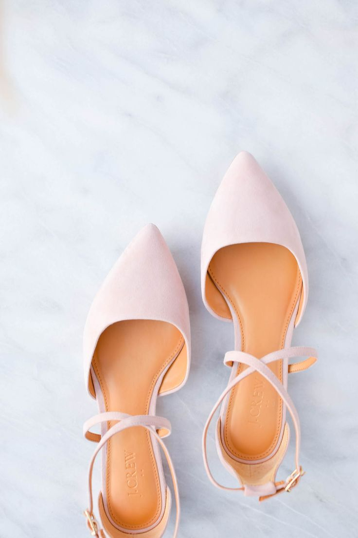 The most beautiful light pink suede ballet flats for spring.