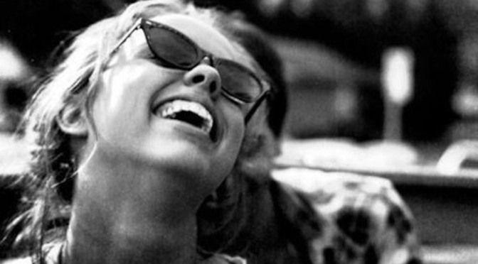Make Her Laugh And Get Her Heart | menhow.wordpress.com