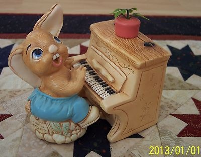 Pendelfin Thumper Rabbit Piano. My Thumper has a broken ear. Unfortunately he was broken during shipping.
