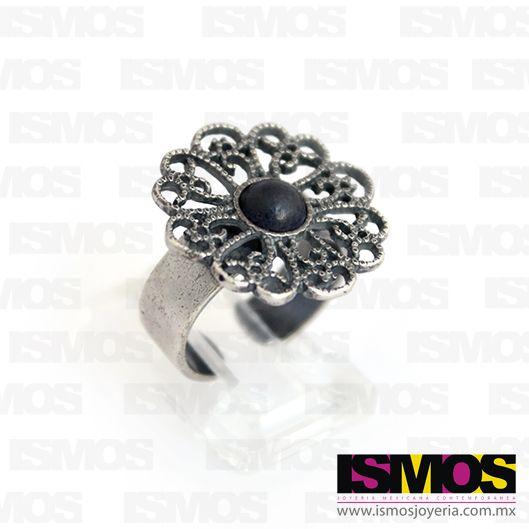 ISMOS Joyería: anillo de filigrana de plata con barro negro // ISMOS Jewelry: silver filigree ring with barro negro