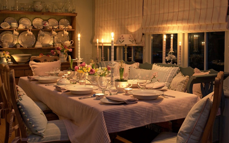 Susie Watson Designs - this candlelit dining room is so attractive you just want to go there now . . . country, cosy but elegant and the Susie Watson website lists all the items used to so easy to recreate.