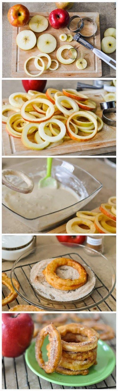 Anéis De Canela Da Maçã.  Anéis de maçã Delish mergulhado em uma massa deliciosa, frito à perfeição de ouro e jogado em uma mistura de açúcar de canela!