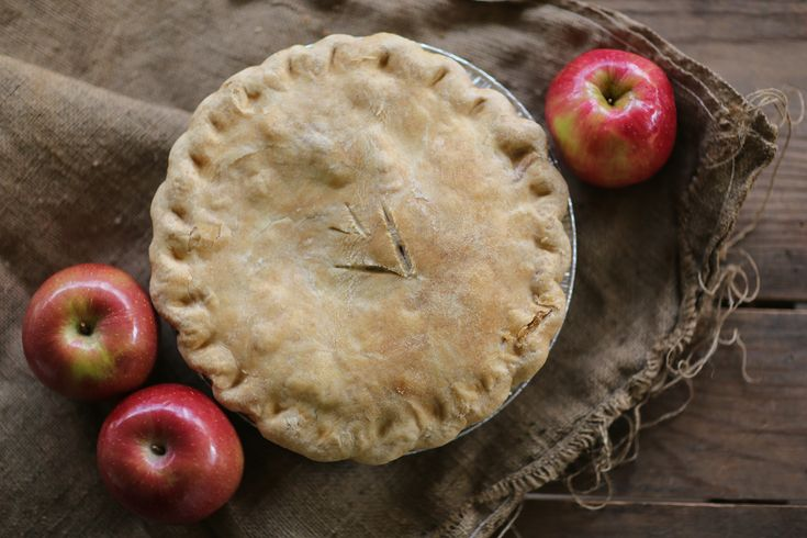 www.forevervintagerentals.com #pies #pie #piestation #dessert #desserts #organic #farmtable #vintage #vintagerentals #rentals #wedding #weddings #thanksgiving #fall #fallcolors #apple #applepie #burlap #Sweetie Pie's Restaurant and Bakery www.rhondapiperphotography.com