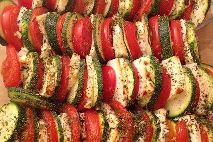 Auflauf von Zucchini, Tomaten und Feta, ein leckeres Rezept aus der Kategorie Gemüse. Bewertungen: 95. Durchschnitt: Ø 4,5.