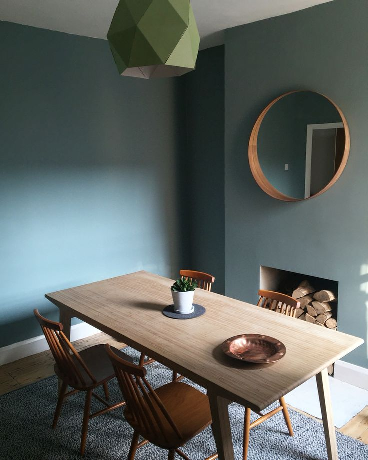 Dining Room / Colour: Oval Room Blue / Table: Unto this Last #farrowandball #diningroom #ovalroomblue