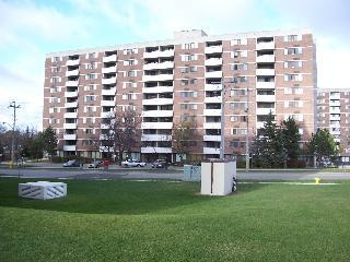 130 & 140 Lincoln Road - Apartments for Rent in Waterloo on http://www.rentseeker.ca – managed by Park Property Management Inc.