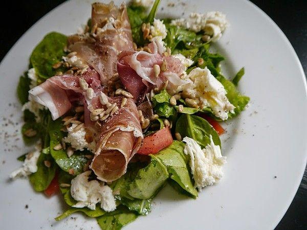 Salad-prosciutto mozzarella