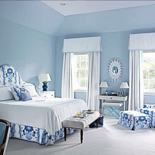 We will be dreaming in blue tonight!  Regram: @housebeautiful #InspirationalPic  #Inspirationofthehday #SPANInteriors #Homedecor #bedrooms #headboards #floralfabrics #bluewalls