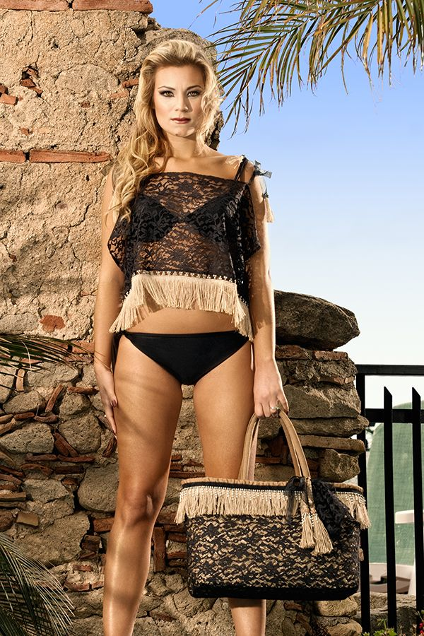 Saitn Tropez - A contrast between the female  and romantic style of the lace and the inusual juta appliquè