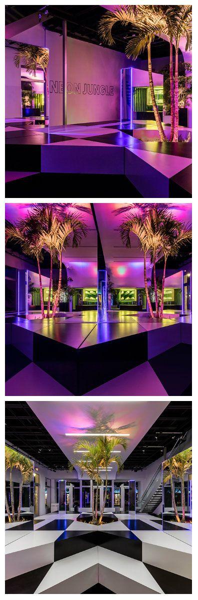 Захватывающий неоновый тропический зал со стильным дизайном расположен в одном…