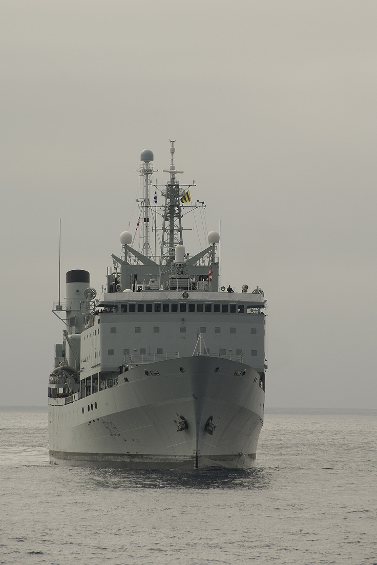 Hmcs protecteur refueling vessel royal canadian navy