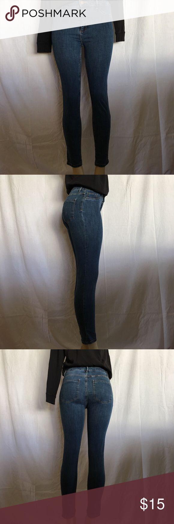Zara high waist jeggings Basic denim jeggings gently worn in excellent condition. Zara Pants Skinny