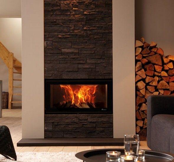 De #Dik #Geurts #Vision 80 heeft een brede vorm met een panoramisch vuurzicht. Daarbij is het een compacte #inbouwhaard met een inbouwdiepte van slechts 33 cm. Zowel de deursluiting als de luchtregeling is zeer gebruiksvriendelijk te noemen van de Dik Geurts Vision 80. De deur is voorzien van een gescreend glas waardoor metalen lijsten uit het zicht blijven bij de Dik Geurts Vision 80.  #Kampen #Fireplace #Fireplaces #Interieur #Kachelplaats