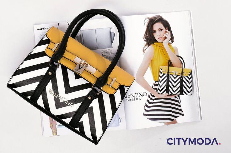 Vuoi rendere il tuo #look speciale anche quando sei in ufficio? Allora corri nei nostri #store e scopri la nuova collezione delle #borse Valentino Handbags. #ss17 #NewSeason17
