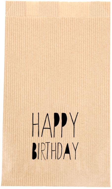 """KRAFT ZAKJE """"HAPPY BIRTHDAY"""" Met deze kraft zakjes heb je geen gedoe meer met inpakken en rollen papier. Verpak het cadeautje makkelijk, snel en origineel in deze kraft zakje met de tekst  """"happy birthday"""".   Formaat: 12 x 4,5 x 21,3 cm.   Graag een kraft zakje met uw eigen logo, voor een bruiloft, geboorte of feestje? Dat is mogelijk, hiervoor dezelfde prijzen en bij grotere afname een speciale prijs. Stuur voor meer informatie een mailtje naar info@sascrea.nl"""