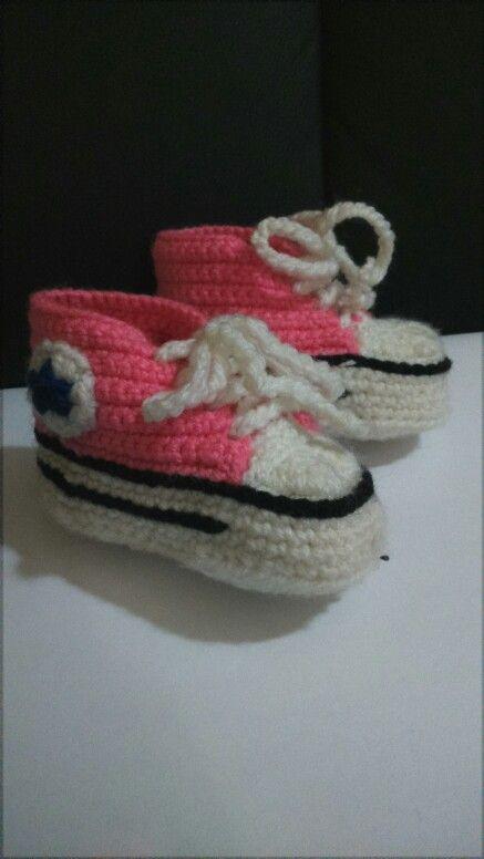 Zapato crochet converse. Terminado rosado modelo chuck Taylor en tecnica con crochet, diseño original, trabajo de mi autoria y recopilación de otros trabajos