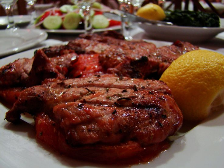 Delicious pork, specially cooked #VaggelisPsaronefri #Greektavern #Athens #Greece #Marousi #WeGreek With WeGreek card you get a discount for your meal in the restaurant! Get your card today!Φωτογραφίες | Ψαρονέφρι