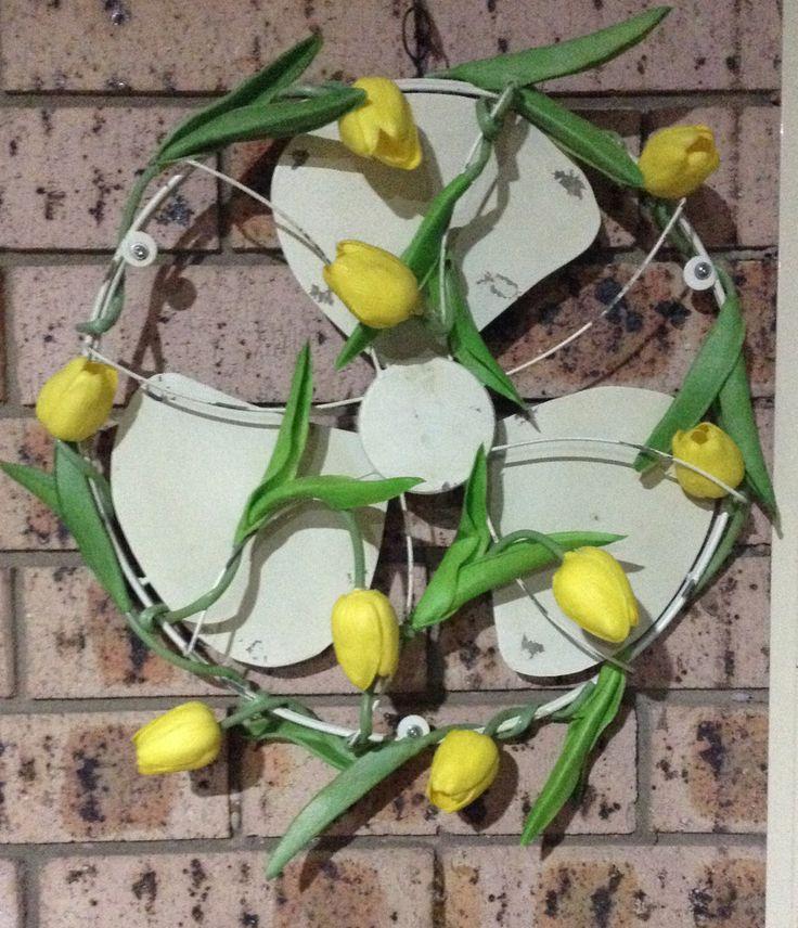 5 MINUTE MAKE- SPRING Tulip WREATH- NO MESS NO FUSS FOR $20 aust