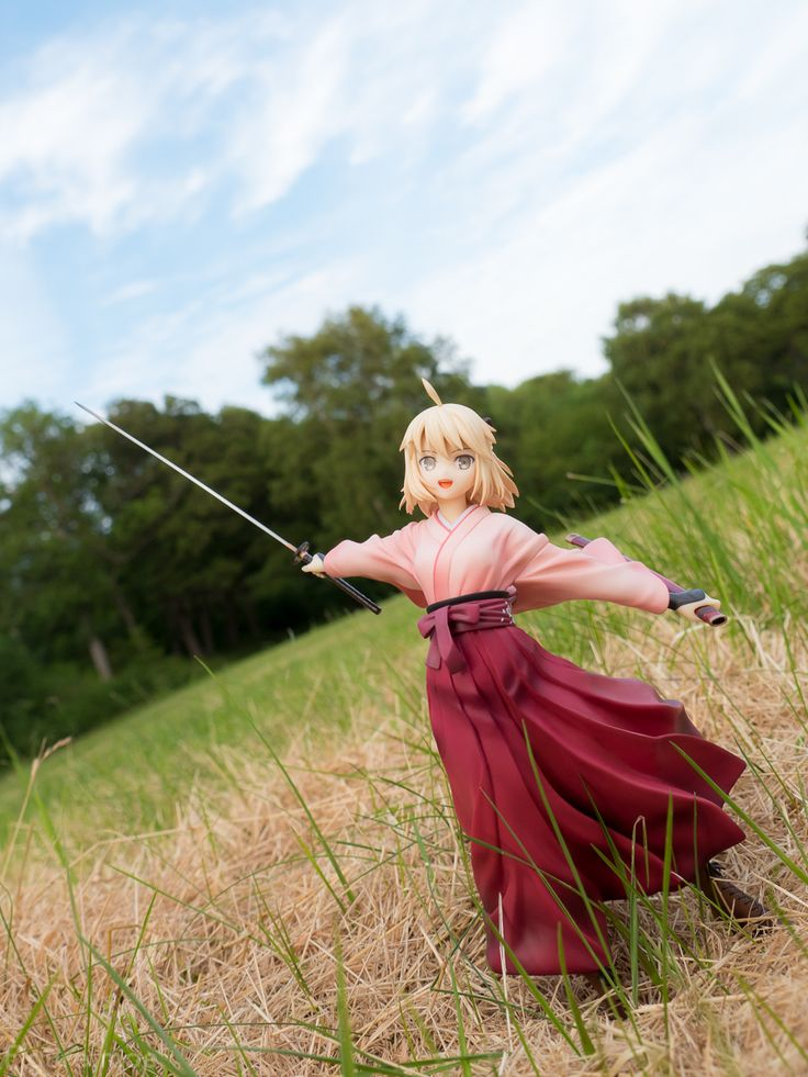 As usual; new figure and nice weather means a new photoshoot! So here are some photos of the recently released Koha-Ace Saber Sakura by Good Smile Company! She may be Saber, but she's quite the unusual Saber and a very pretty one which is why…Read more ›