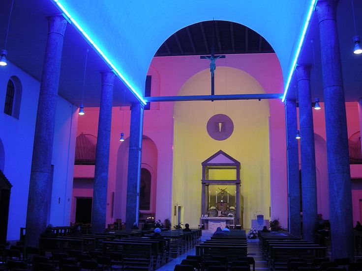 Dan Flavin, Untitled, 1996. Permanent installation in the Santa Maria Annunciata in Chiesa