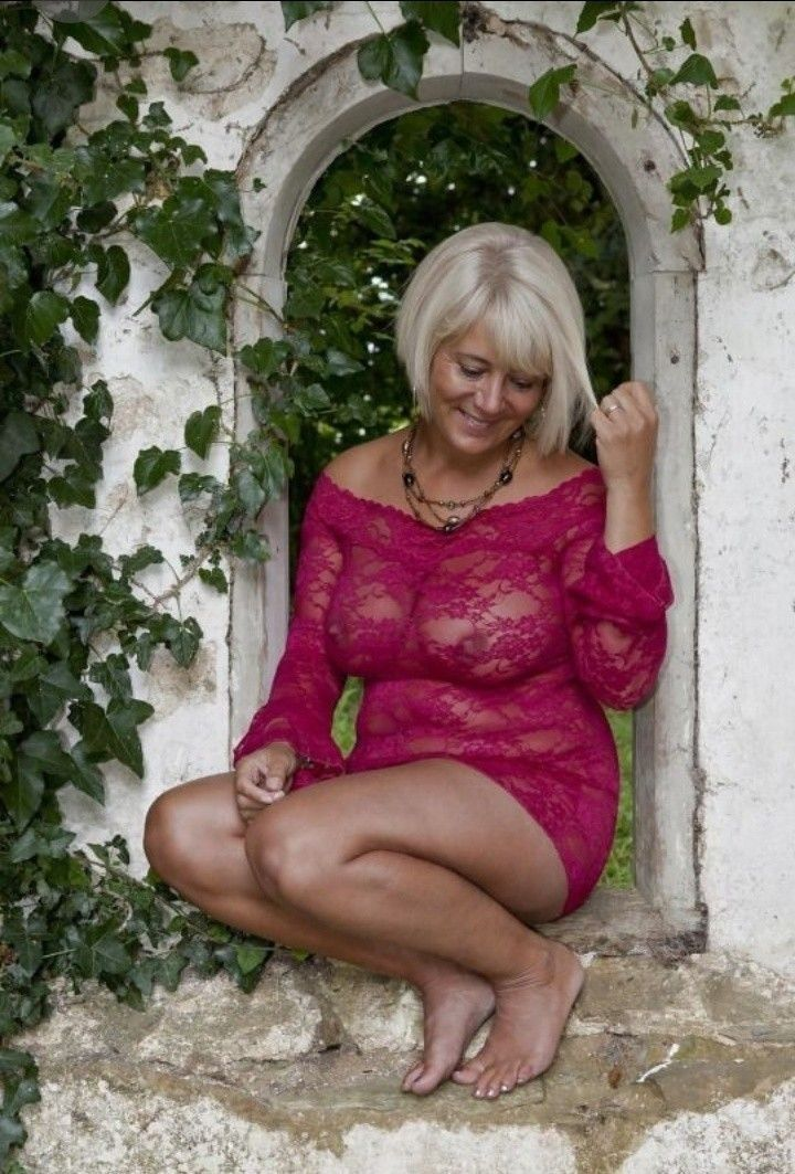 Sexy mature glamour pictures