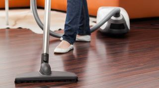 Wondering how long your vacuum cleaner should last? Consumer Reports can help answer that.