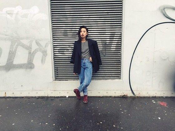 Dr. Martens Boots, Bershka Boyfriend Jeans, Zara Tshirt, Thriftshop Oversized Blazer
