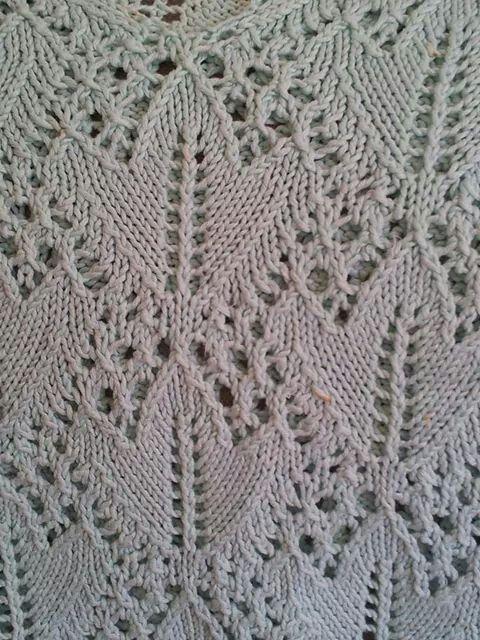 Knitting: foglie e trafori