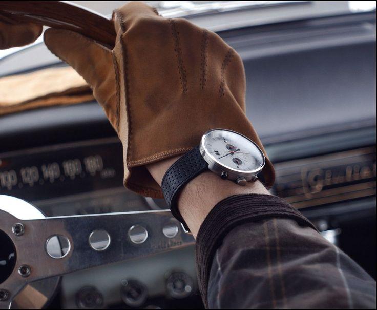 The automotive-inspired Vallelunga Chronograph by Autodromo    #design #productdesign #ux #ui #uxdesign #uidesign #industrialdesign #architecture #bandco #blazeandco #minimal #minimalism #minimalist #clean #designer