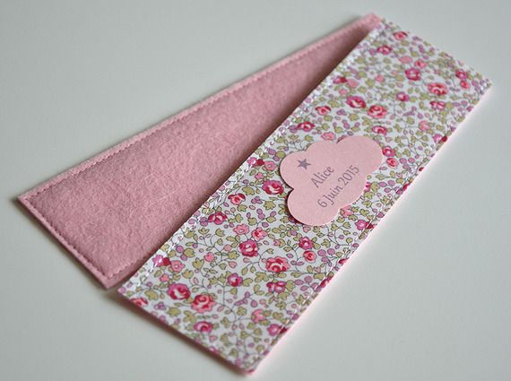 sachets de dragées Liberty Eloïse rose, étiquette nuage personnalisée