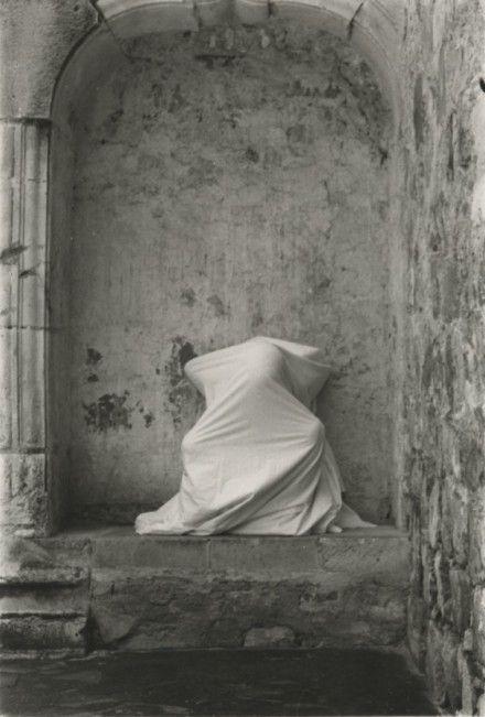 Ana Mendieta, Untitled (Cuilapán Niche) (1973), via Galerie Lelong