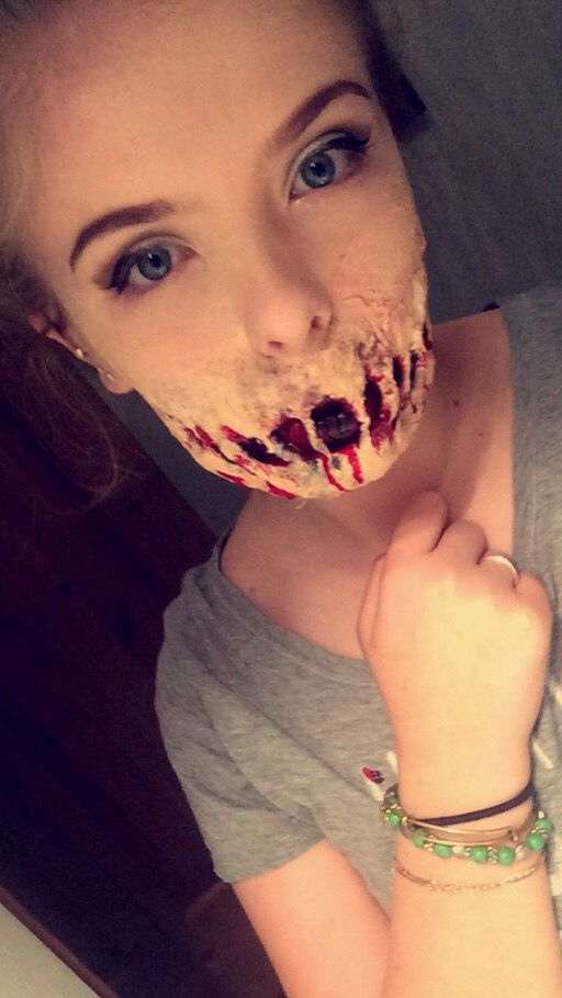 Glam and gore inspired ❤️❤️ Halloween look