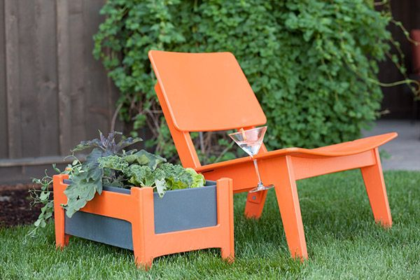 Loll designs 39 urban garden planter with lago outdoor for Loll planters