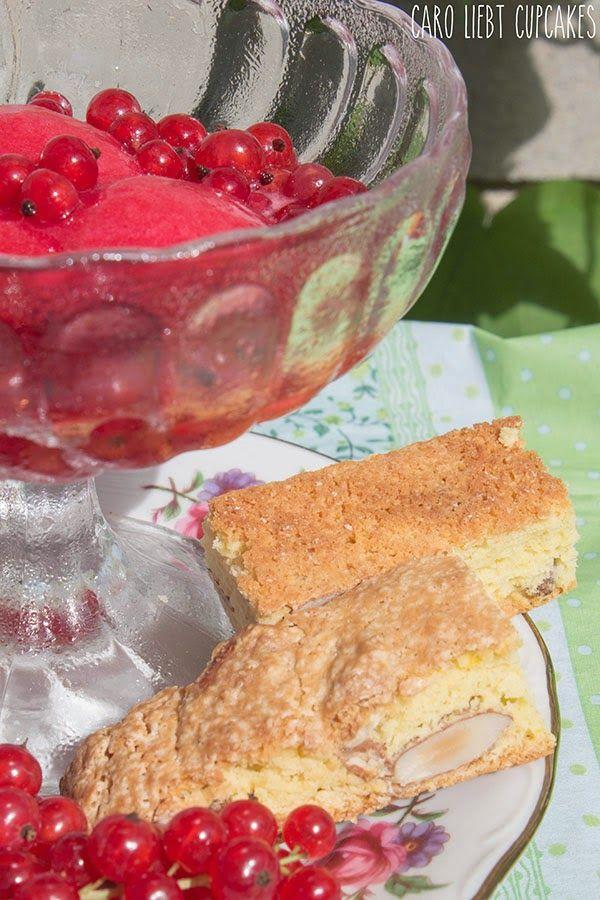 Cantuccini mit Johannisbeeren Sorbet. auf caro liebt cupcakes