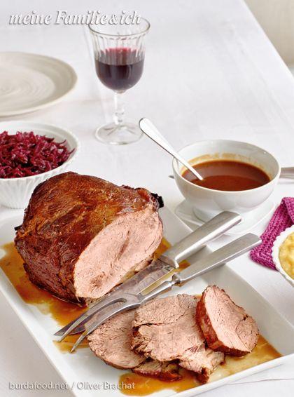 Zimt, Gewürznelke und Muskat machen diesen Braten zu einem ganz besonderen Geschmackserlebnis für die ganze Familie!