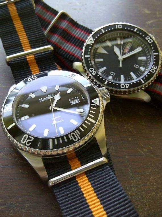 """Relógios coloridos não são novidade, desde os anos 80 e a febre dos Champion que trocavam a pulseira de plástico ou os diversos modelos da Swatch, cada um com seu tema, vemos este tipo de acessório tornando-se pop de tempos em tempos. Por que usar? Na verdade tudo tem a ver com """"timing"""", afinal atualmente temos a onda """"preppy"""" disseminando cores náuticas em acessórios, as pulseiras masculinas ganhando as ruas e o homem cada vez mais ligado em detalhes que possam deixar seu visual bacana, em…"""