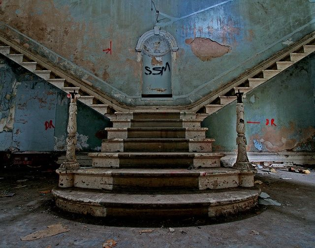 St. Johns is the remains of the old mental hospital in Bracebridge, Lincoln [England]. It closed in 1989.