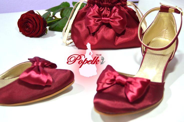 Vychozí model Rosana + pompadurka v kombinaci bordó + zlatá. svatební boty, svatební obuv, společenksá obuv, spoločenské topánky, topánky pre družičky, svadobné topánky, svadobná obuv, obuv na mieru, topánky podľa vlastného návrhu, pohodlné svatební boty, svatební lodičky, svatební boty bordó, marsala, boty se zdobením,topánky pre nevestu