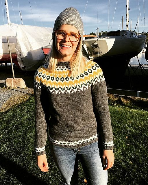http://www.ravelry.com/patterns/library/riddari/people