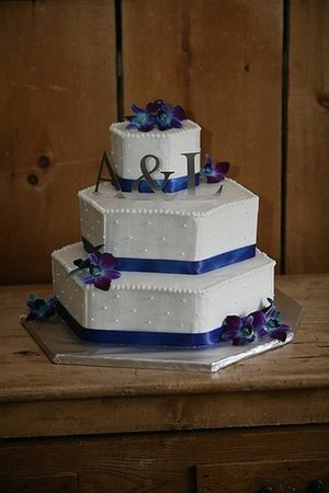 hexagonal, blue orchid cake w/ribbon